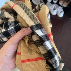 Fake scarf